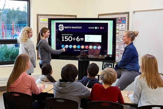 Ecran interactif salle de classe